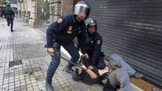represion-contra-manifestantes-en-espana-619x348