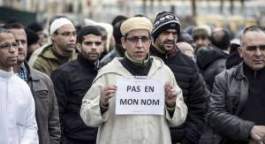 musulmanes-tras-atentado-Charlie-Hebdo-no-en-mi-nombre