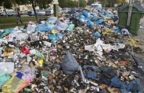 montones-de-basura-en-jerez-efe