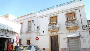 pancartas-vecinos-Vargas-reclamando-solucion_1143195950_69559006_667x375