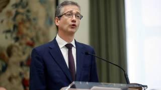 los-banqueros-rinden-pleitesia-al-nuevo-gobernador-del-banco-de-espana